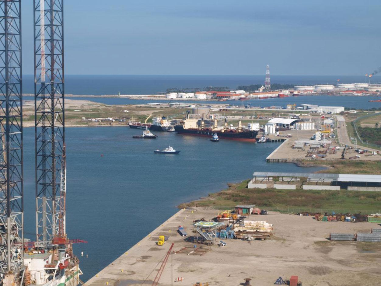 La Construcción de la Nueva Refinería por Parte de Pemex Podría Significar Varios Problemas - Petroquimex
